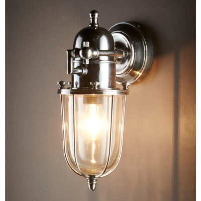 Traditional Outdoor Wall Light