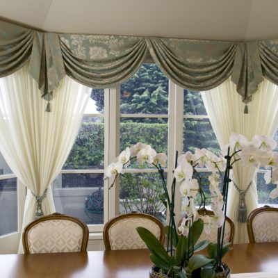 French Traditional Dining Room Timber Setting