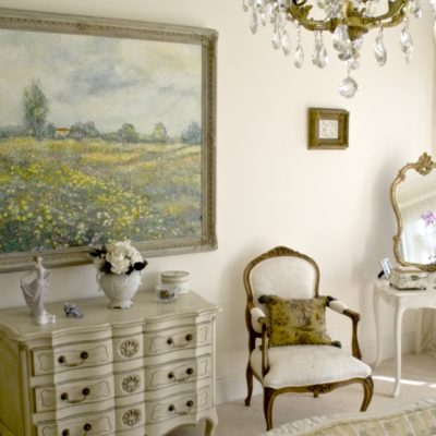 Classic & Elegant French White Dresser and Drawers