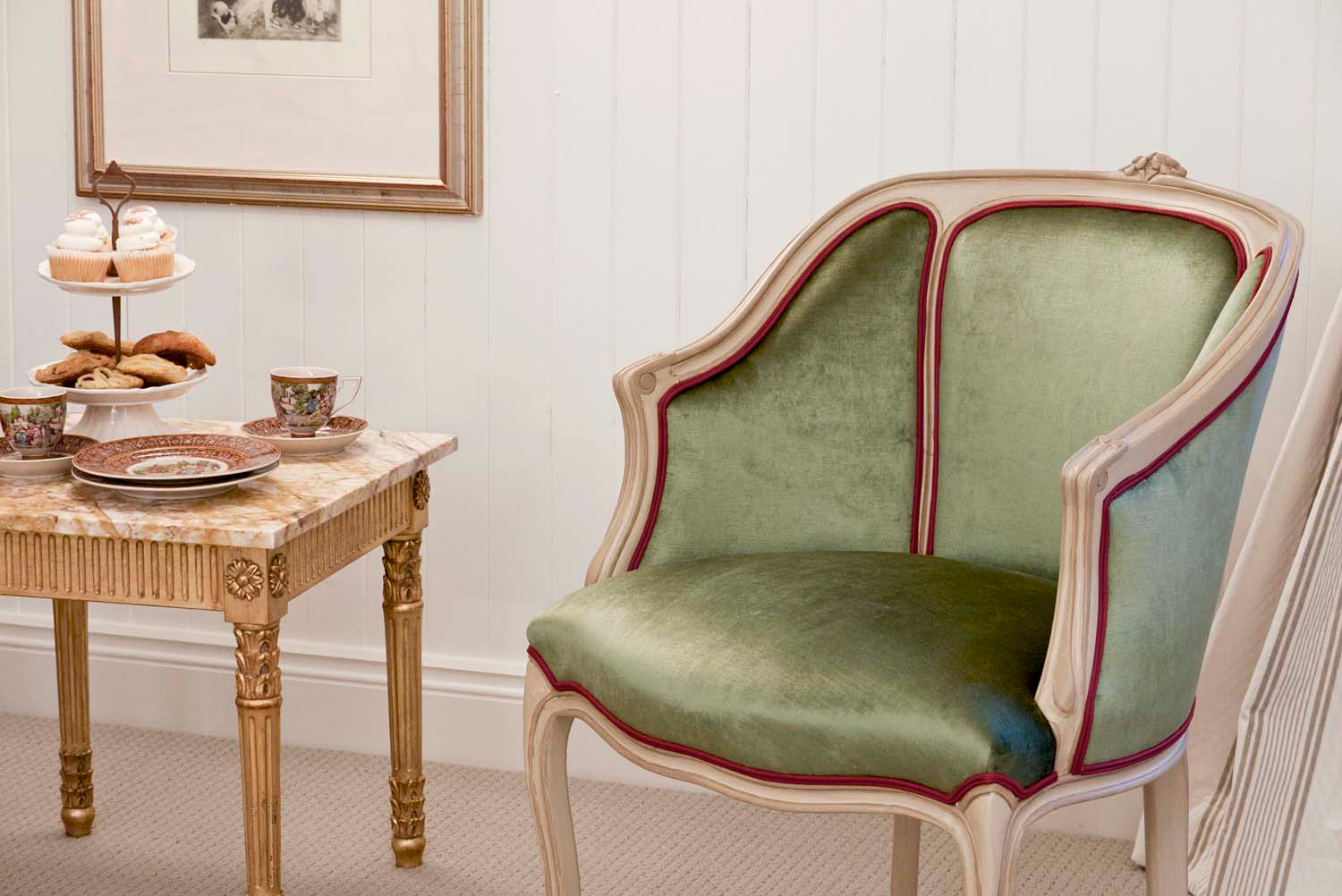 11 French gilded furniture finishes