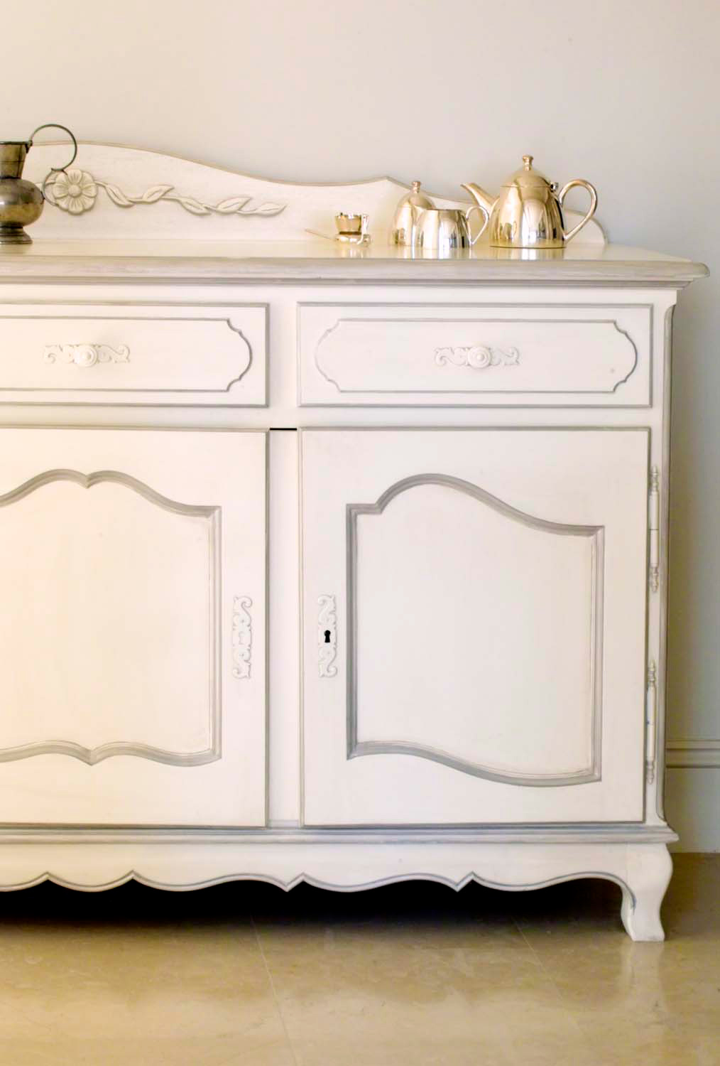 12 French classical and provincial furniture painted finishes