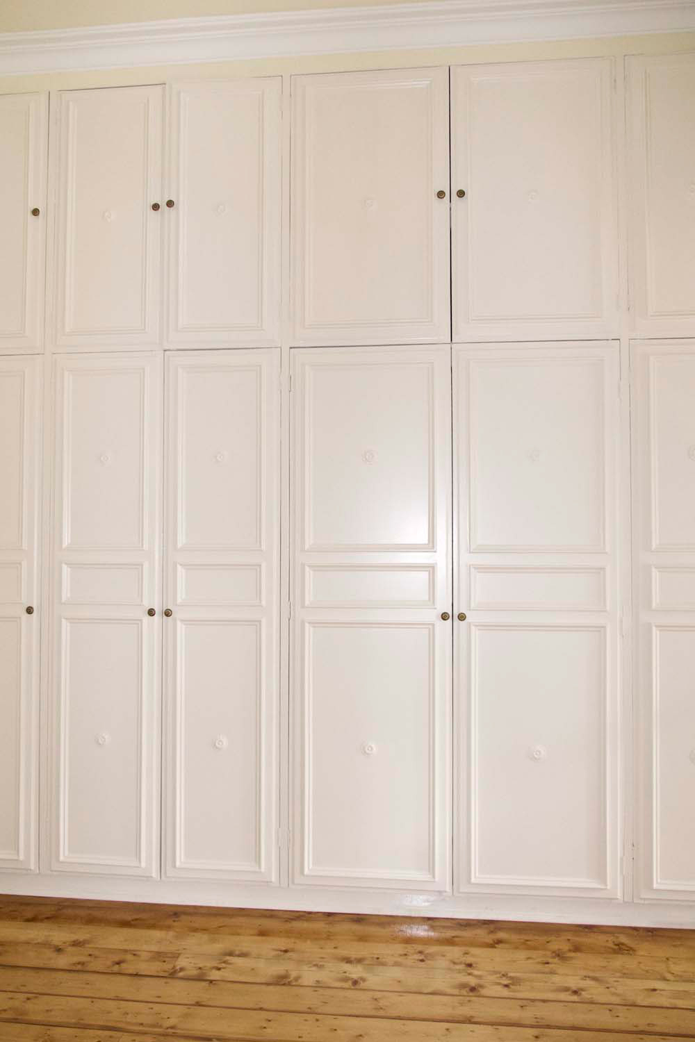 22 French classical wardrobe design