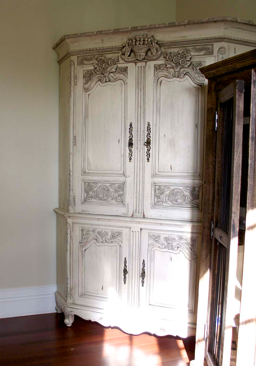 25 French classical wardrobe design