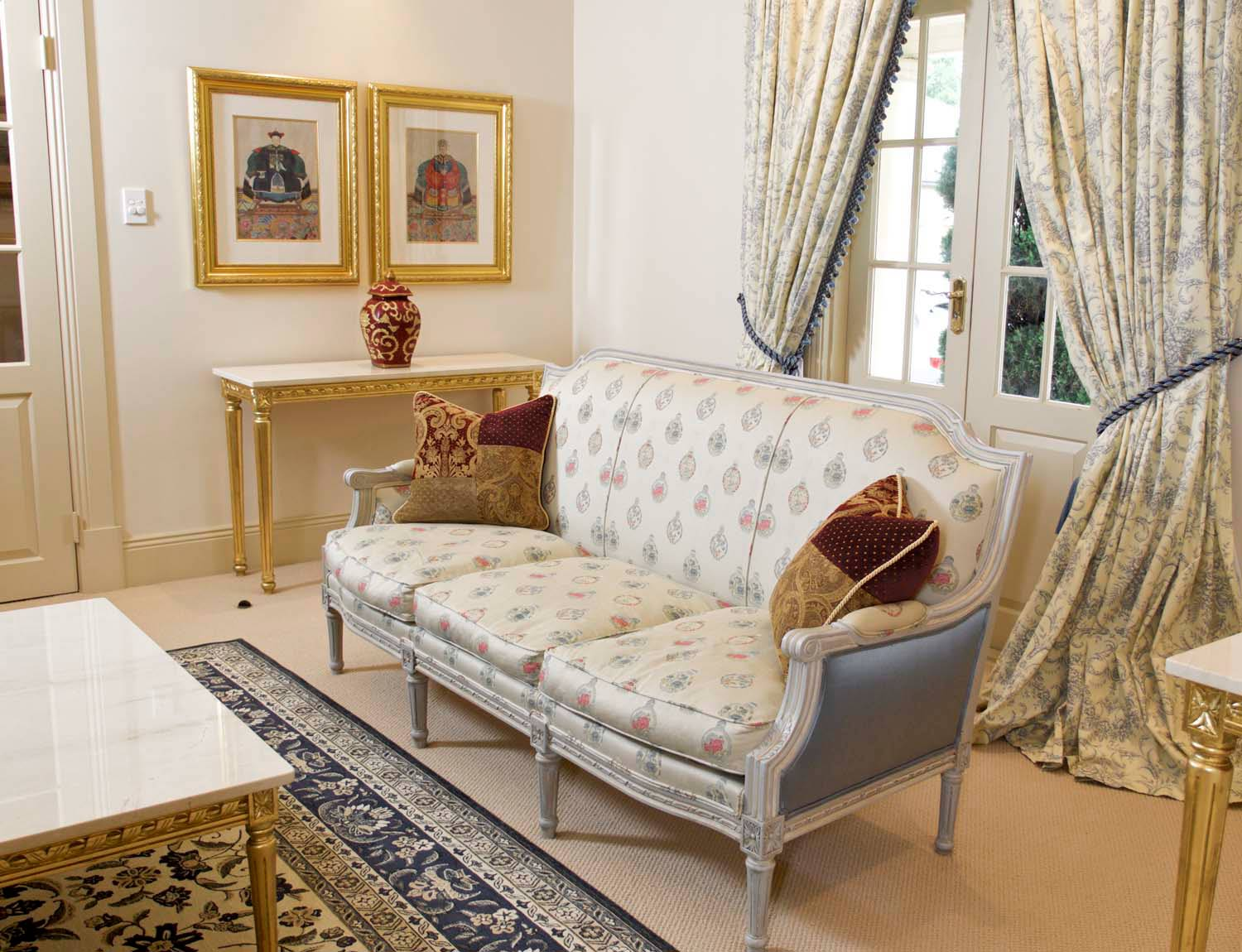 7 Grand country manor in the French style interior