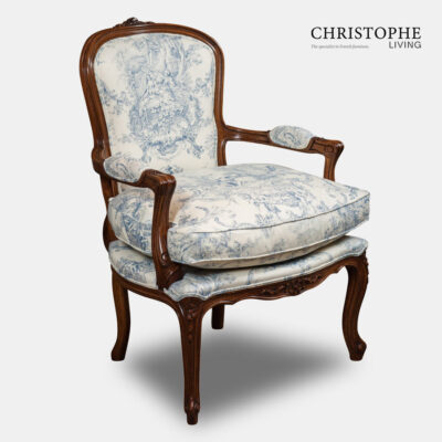 French style white painted bedroom chair fully upholstered in linen French fabric with loose cushion, in a timber walnut finish and carved in Italy.